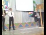 Акегет Булгак в школьном ансамбле кураистов.